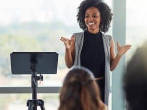 10-Public-Speaking-Tips-From-A-PR-Expert