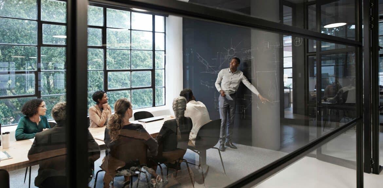 Upwardly-Mobile-4-Ways-Customer-Advisory-Boards-Can-Help-Advance-Your-Career-1170x576.jpg